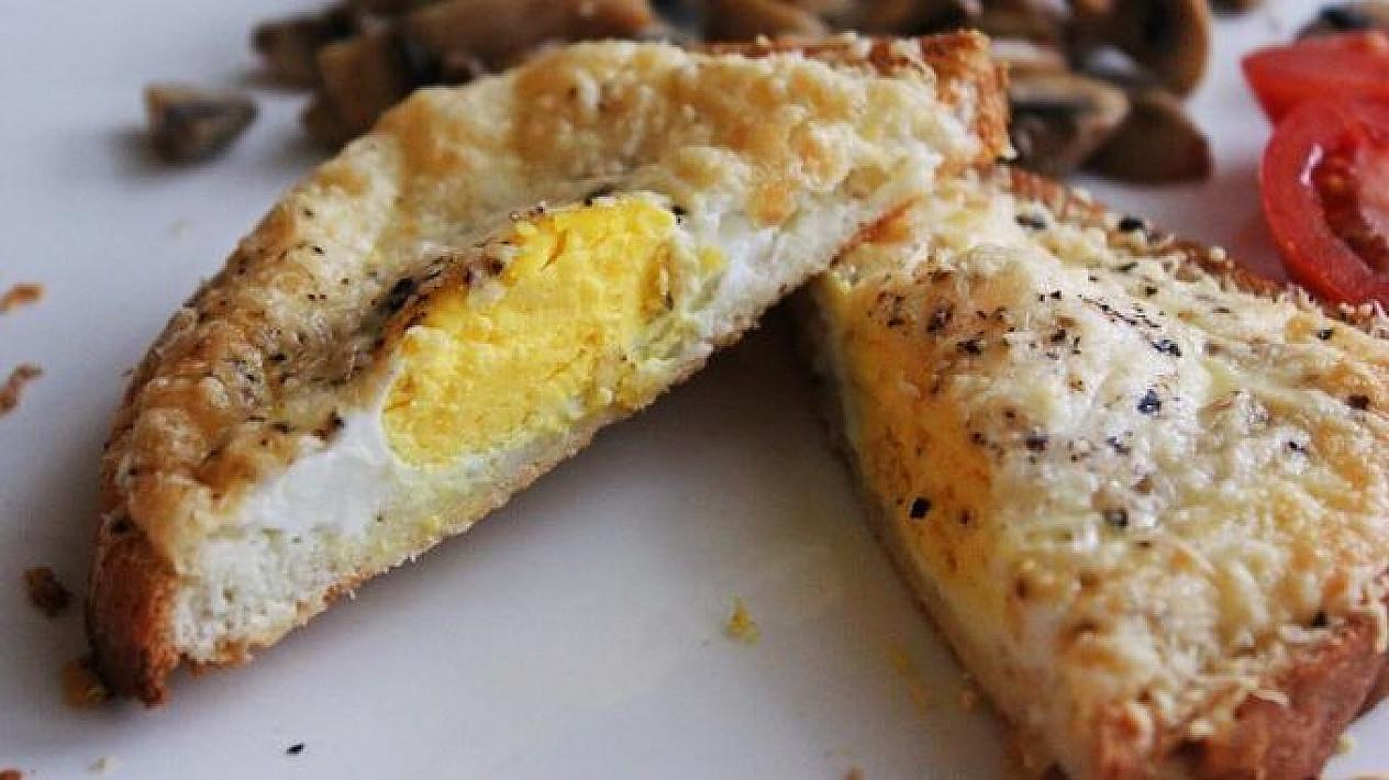 Sūriu apkepti sumuštiniai su kiaušiniais
