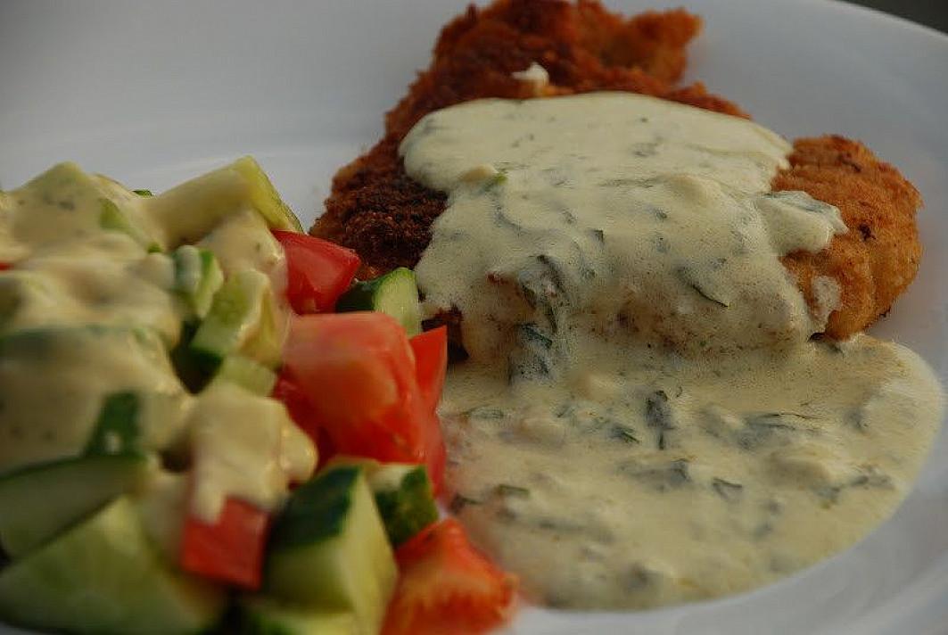 Vištienos karbonadas su sūrio padažu