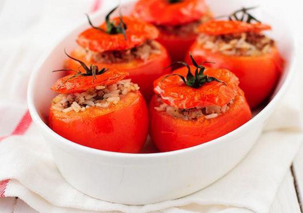 Ryžiais įdaryti pomidorai