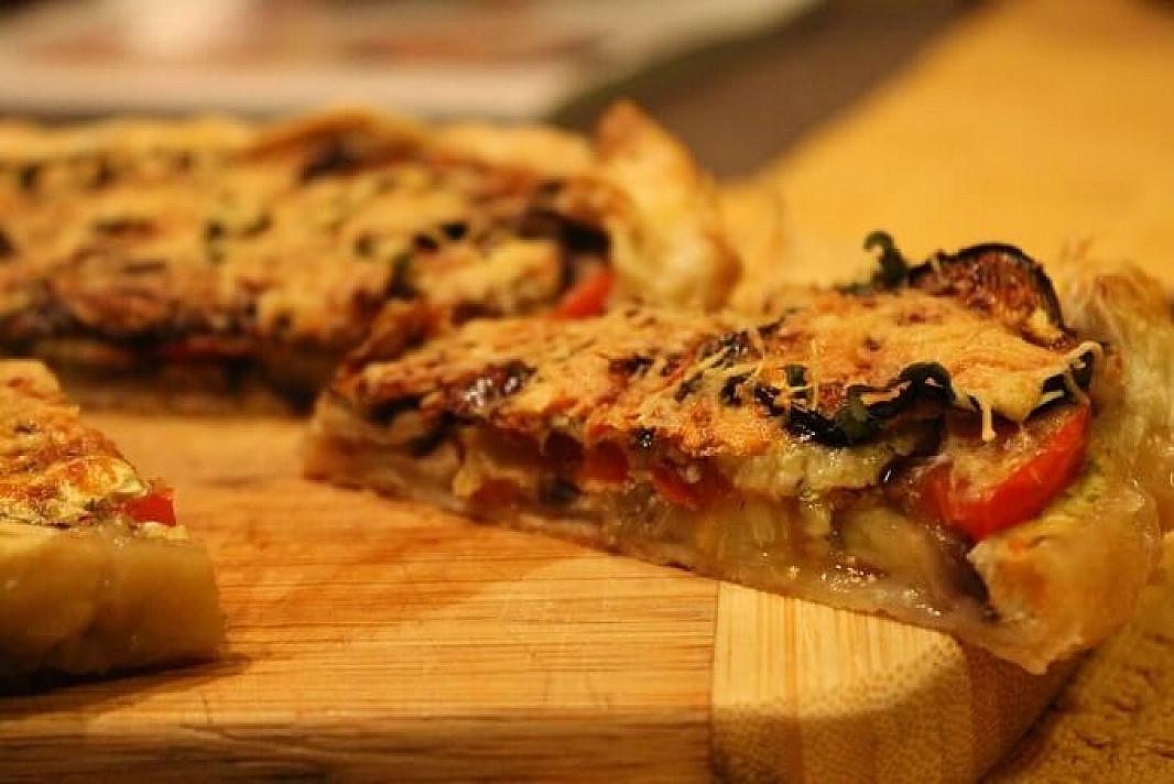 Pyragas su baklažanais ir pomidorais