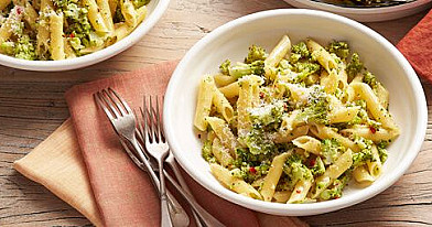 Makaronai su pikantišku brokolių padažu