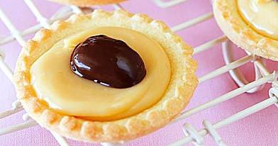 Maži karameliniai pyragaičiai