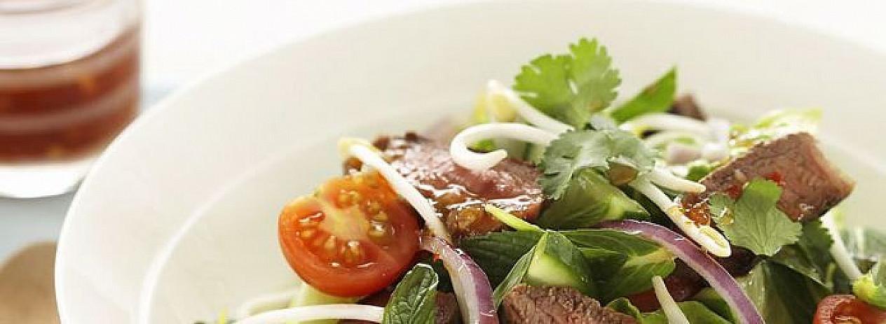 Tailandietiškos jautienos salotos