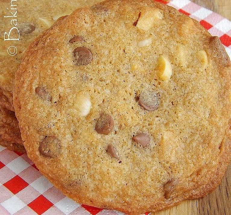 Sausainiai su šokoladu ir riešutais   Receptas
