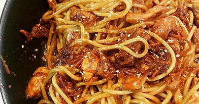 Kiniška vištiena su noodles vermišeliais