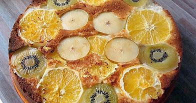 Greitas pyragas su vaisiais