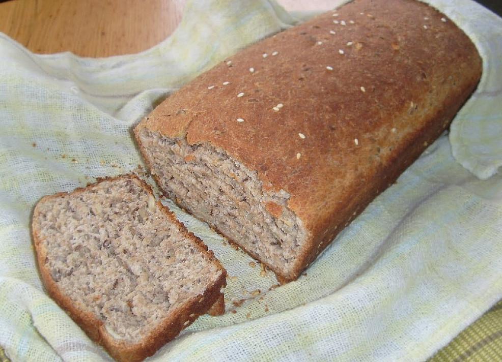 Sveikuolių duona su sėklomis