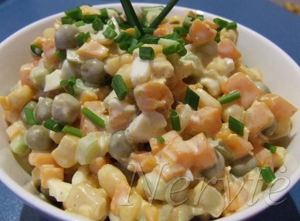 Paprastos salotos - mišrainė