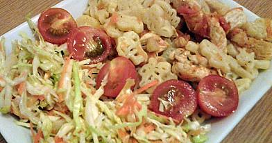 Makaronai su kepta vištiena ir morkomis