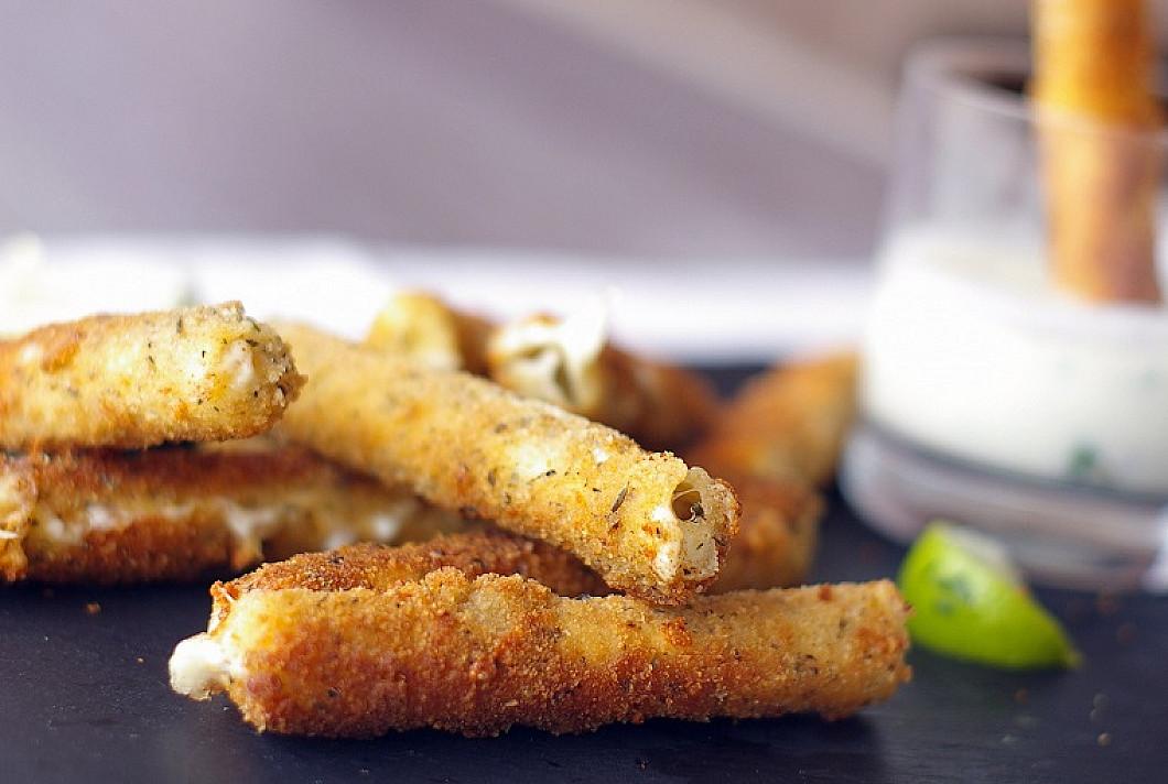 Traškios mozzarella sūrio lazdelės