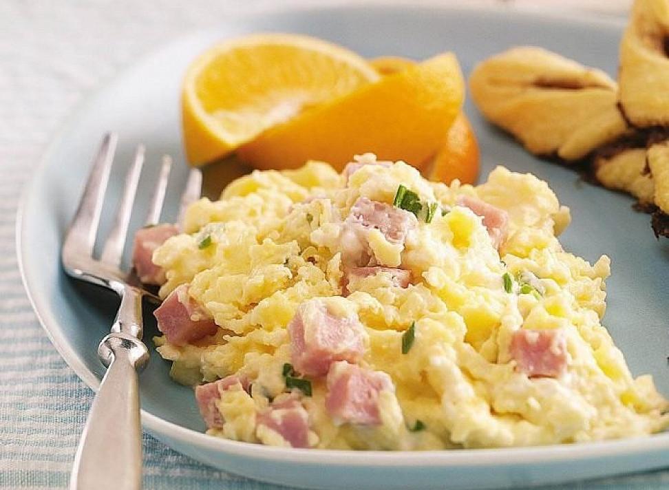 Mišrainė su kumpiu ir kiaušiniais (kai tik turėsiu kiaušinių - visad ją gaminsiu)