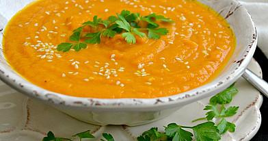 Trinta morkų sriuba su kariu - dar labiau pamėgsite trintas sriubas!