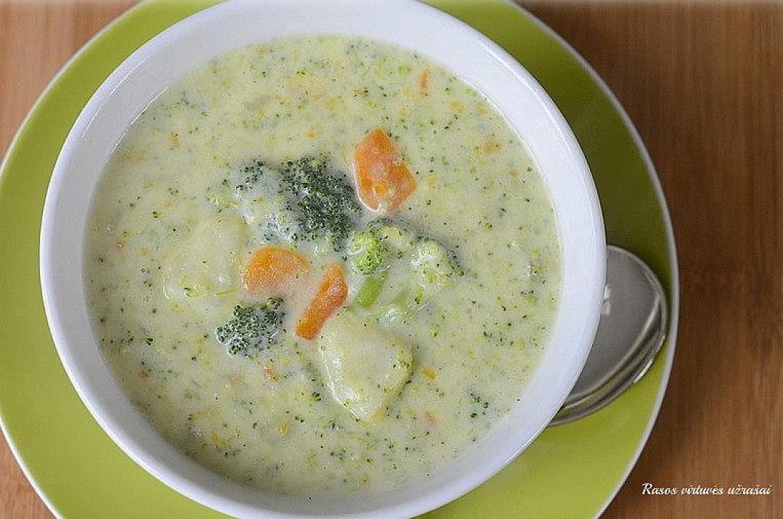 Receptas: Brokolių ir sūrio sriuba - skani, tiršta ir soti