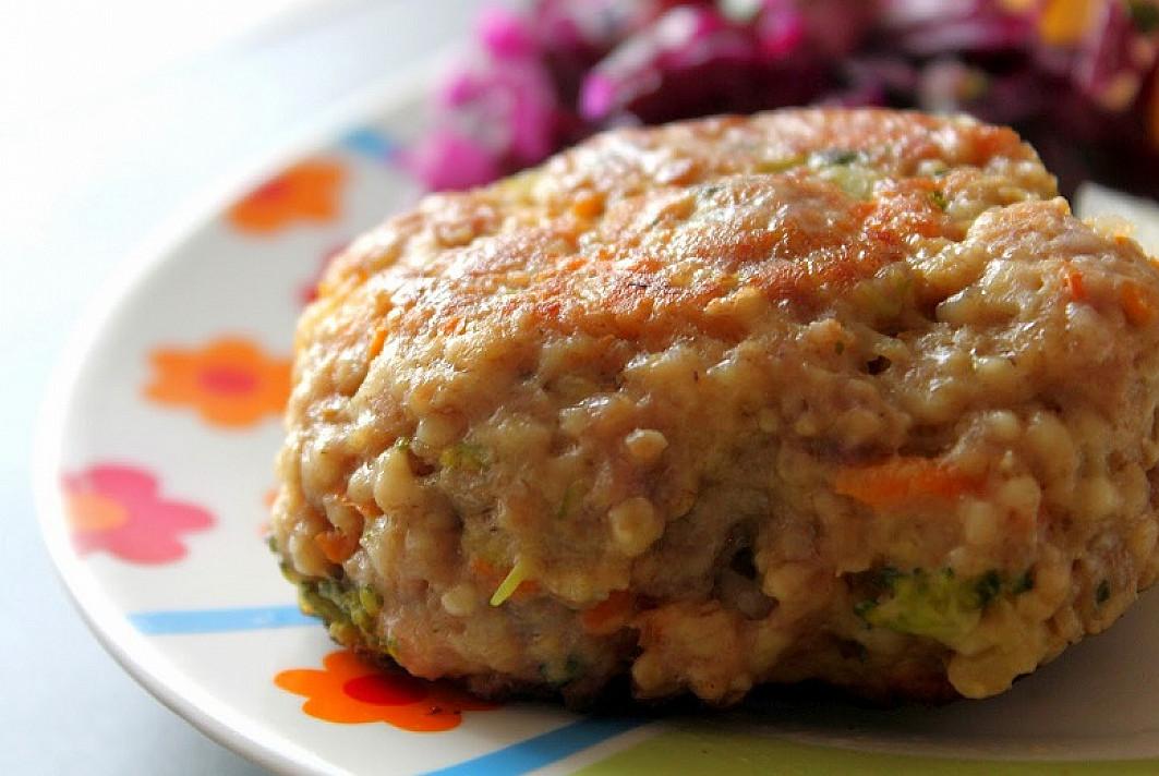 Kalakutienos maltinukai su brokoliais