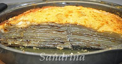 Receptas: Lietinių blynų pyragas su varške