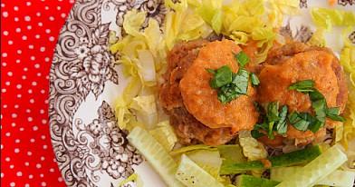 Visai nekaloringi mėsos kukulaičiai su kreminiu morkų padažu