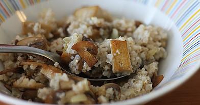 Miežių košė su grybais ir tofu (savaitgalio pusryčiams)