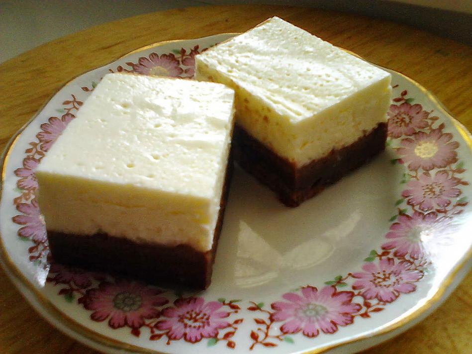 Šokoladiniai pyragaičiai su kremine varške