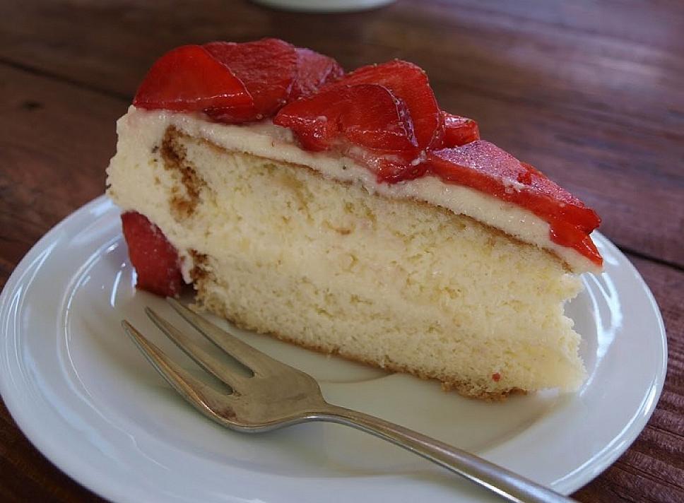 Braškinis plikyto kremo tortas pagal Beatą