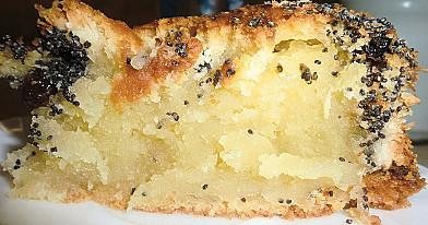 Migdolinis pyragas su kokosais ir aguonomis