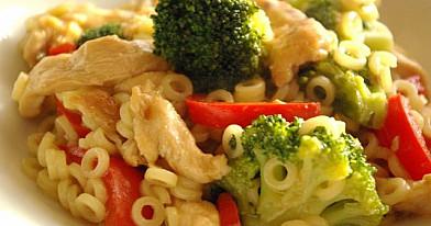 Kepta vištiena su brokoliais - neatsivalgomasis troškinukas!