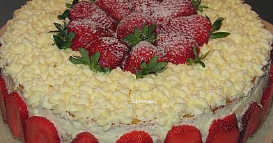 """Tortas """"Braškinė svajonė"""" - toks skanus, kad gaminkite iškart du!"""