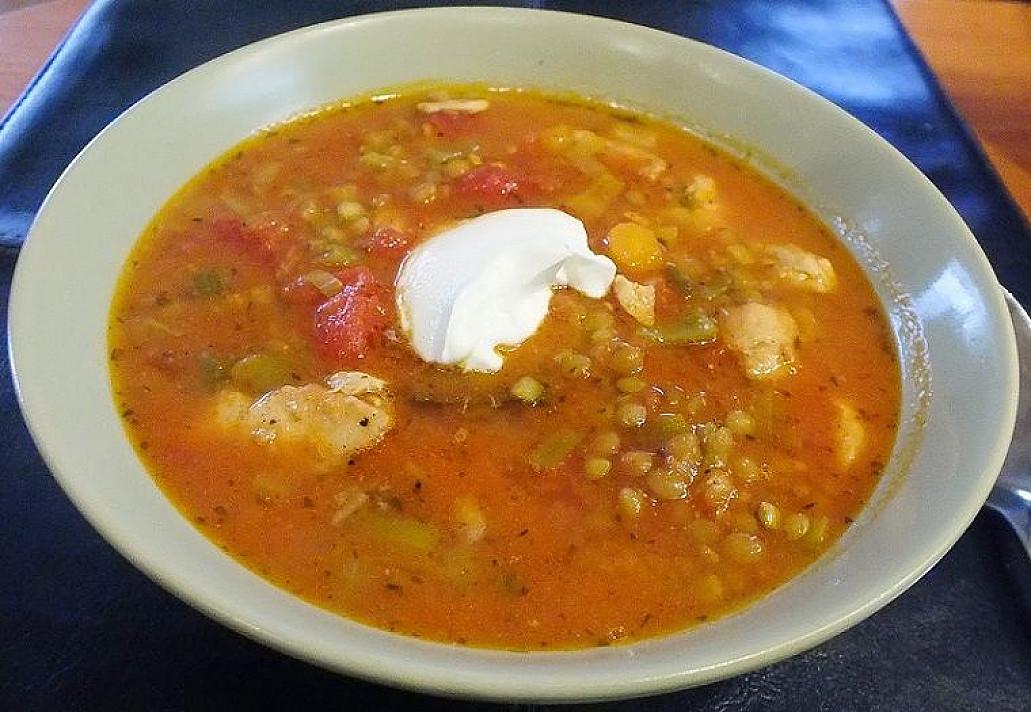 Vištienos ir lęšių sriuba