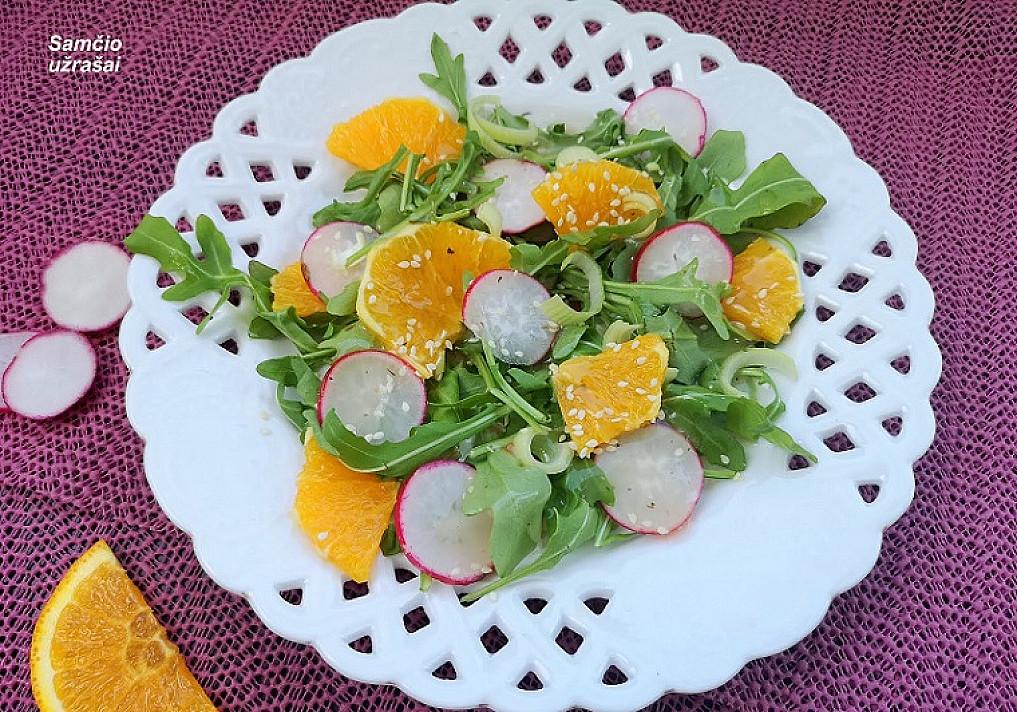 Salotos su ridikėliais ir apelsinais (gaivios ir greitos)