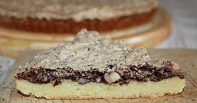 Pyragas su riešutų - šokolado plutele (negalvojau, kad bus toks nuostabus!)