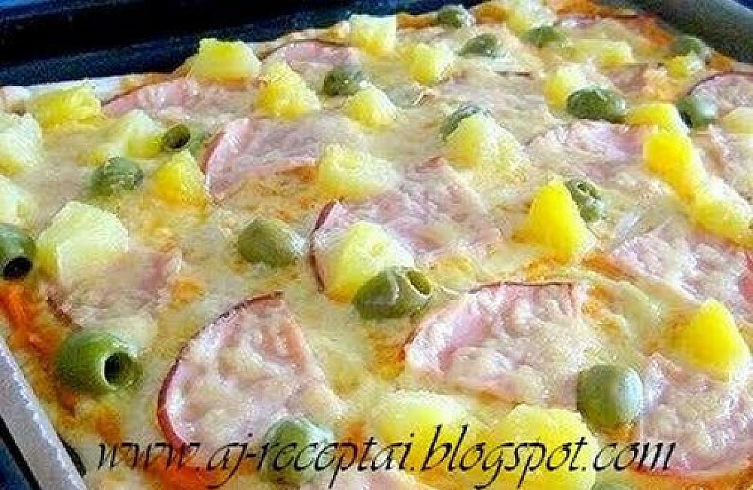 Pica su kalakutiena ir ananasais
