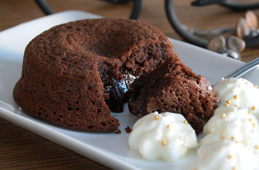 Šokoladinis pyragaitis iš 4 ingredientų - apsivalgymas garantuotas!