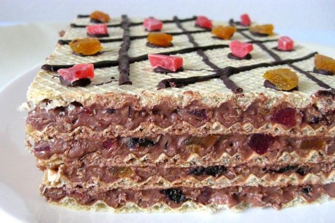 Desertas: Vaflinis skanėstas su džiovintais vaisiais