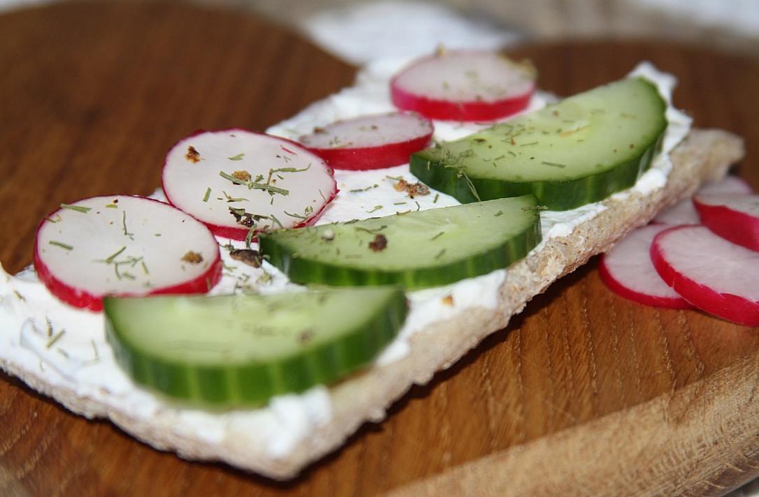 Gaivūs vegetariški pusryčiai su duoniukais