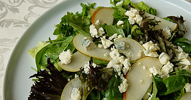 Salotos su kriaušėmis ir pelėsiniu sūriu - labai mano pamiltos!