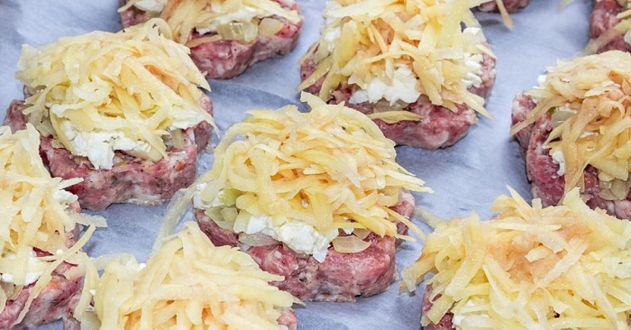 500 g faršo ir žalios bulvės: štai ką aš paruošiu per artimiausius kviestinius pietus