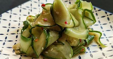 Agurkų salotos japonišku stiliumi - šio recepto dėka suvalgėm visą agurkų derlių!