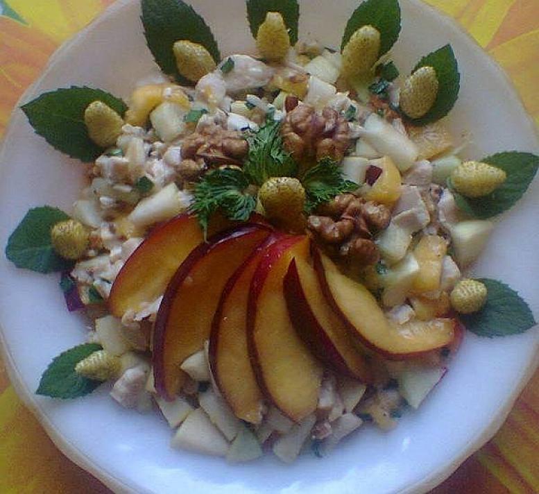 Vaisių salotos su vištiena