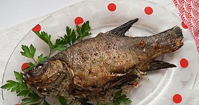 Lynas keptas orkaitėje su ryžiais - dėl šio recepto pirksite daugiau žuvies!