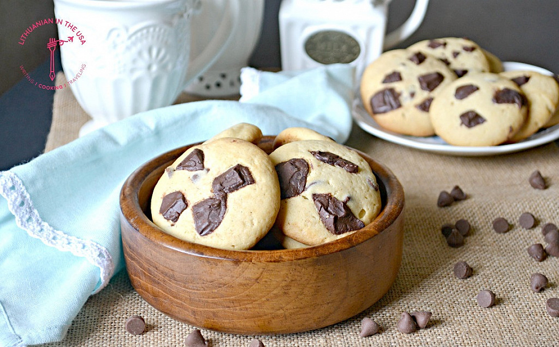 Sausainiai su baltuoju ir juoduoju šokoladu - kitų sausainių receptų net nebeieškau!