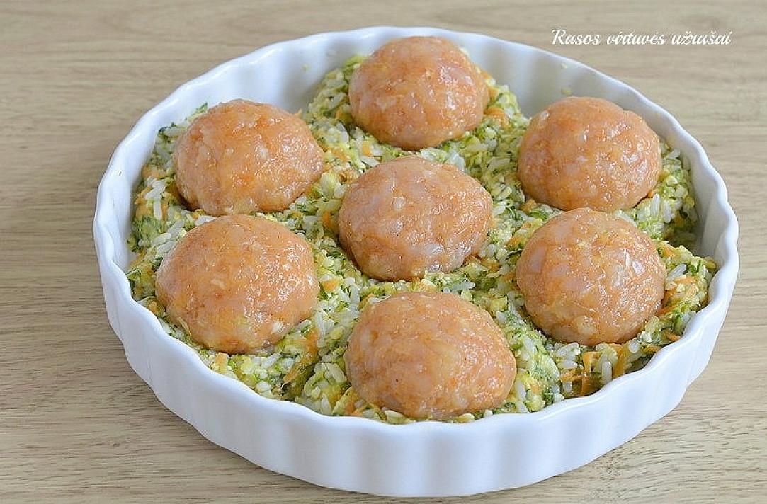 Cukinijų ir ryžių apkepas su mėsos kukuliais - valgantieji nesuprato, kaip čia viskas pagaminta!