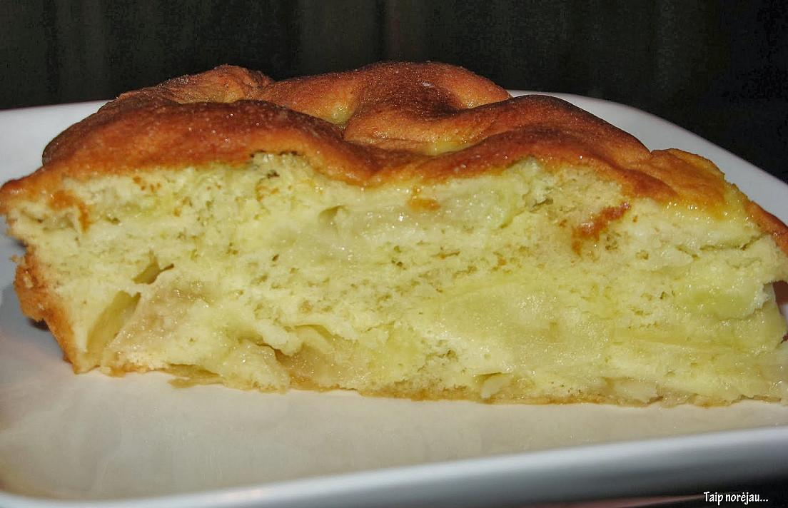Biskvitinis obuolių pyragas - toks paprastas, kad paprastesnių jau nebūna!
