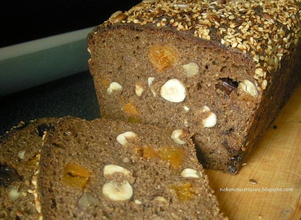 Ruginė duona su džiovintais vaisiais ir riešutais (su raugu) - verta Jūsų išmėginimo!