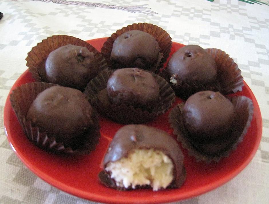 Kokosiniai saldainukai - patys patys skaniausi naminiai saldainiai kokius esu ragavusi!