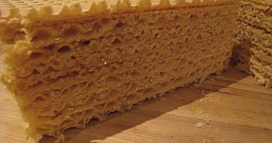 Vaflių lakštų pyragas - greitas, saldus ir labai skanus!