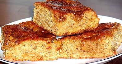 Parodė kaip yra gaminamas skaniausias moliūgų pyragas su kondensuotu pienu