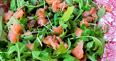 Совершенный салат из лосося с чечевицей «аж за ушами трещит»
