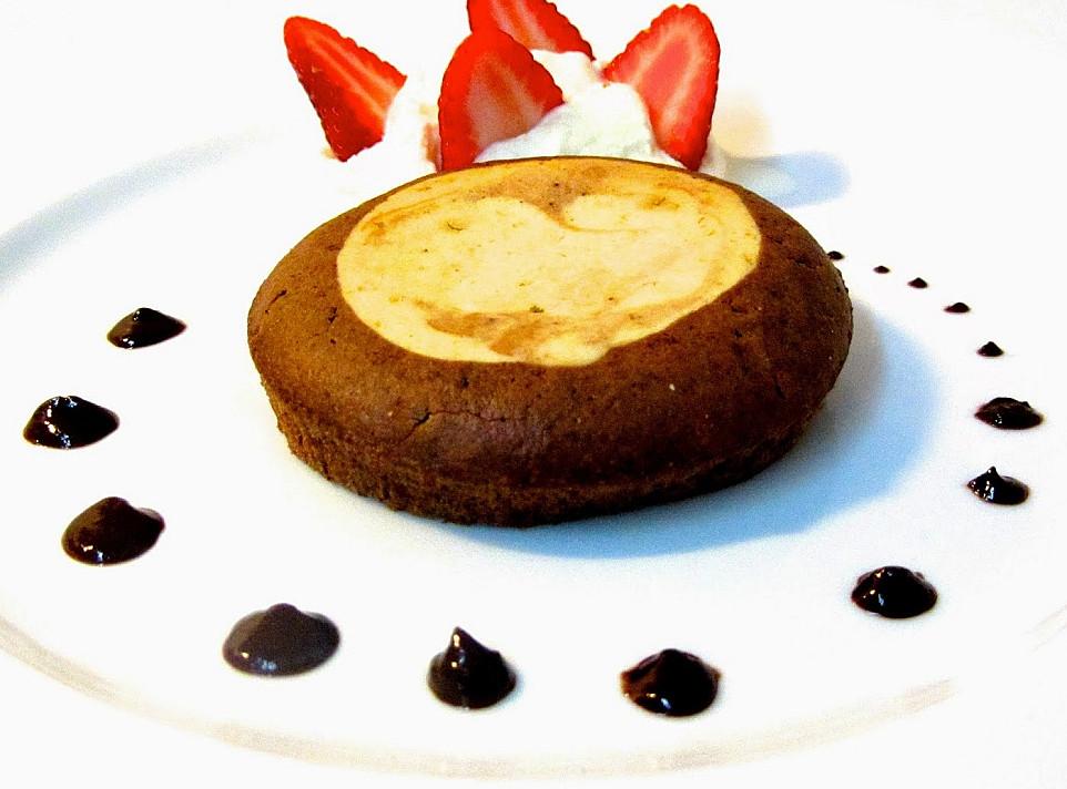 Фальшивые «лава-кейки» - пирожные, которые вы будете готовить не раз и не два!
