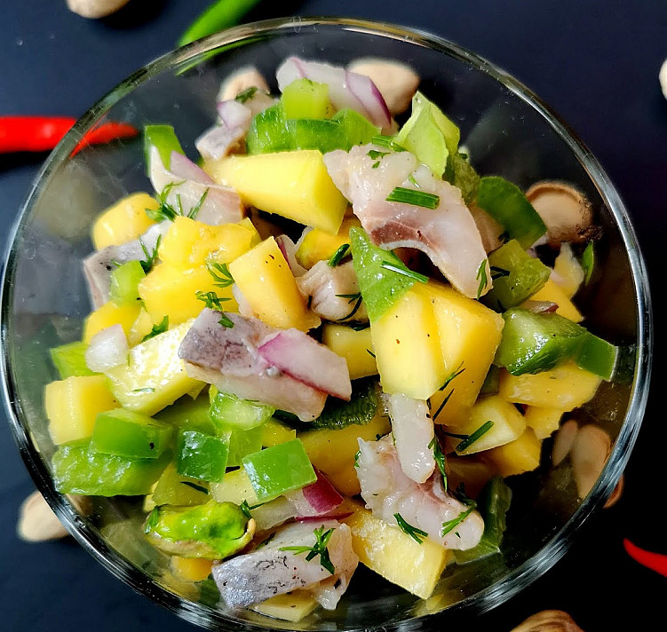 Селёдка с манго, которая станет регулярным гостем на вашем столе!