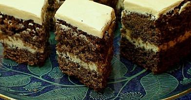 Karamelinis riešutinis pyragas