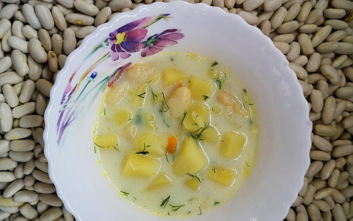 Молочный суп с фасолью и макаронами – одной тарелки будет мало!